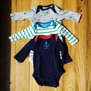 Gap 3 long sleeve onesies 0-3 months